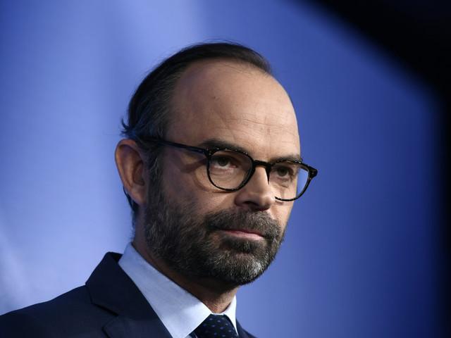 """Pour Édouard Philippe, la gauche et la droite """"se regardent mourir"""""""