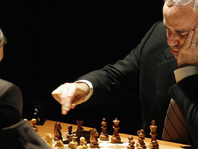 Kasparov revient à 54 ans: Y a-t-il un âge où l'on est meilleur aux échecs?