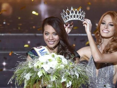 Miss France EN DIRECT: Qui va succéder à Vaimalama Chaves? L'écharpe et la couronne attendent leur nouvelle propriétaire