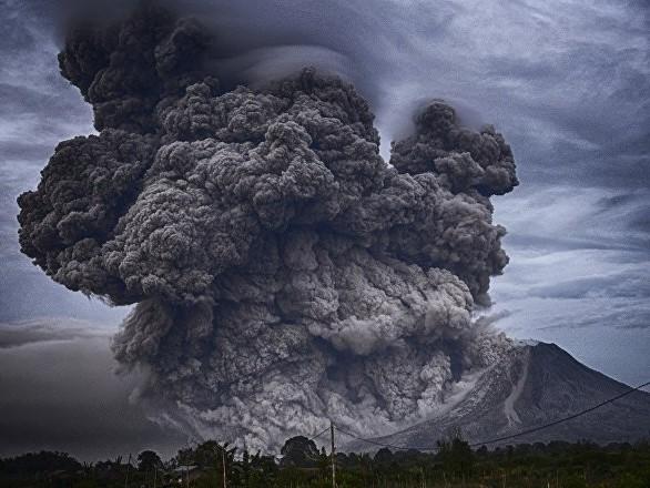 Éruption d'un volcan en Nouvelle-Zélande: au moins un mort, des disparus - vidéo