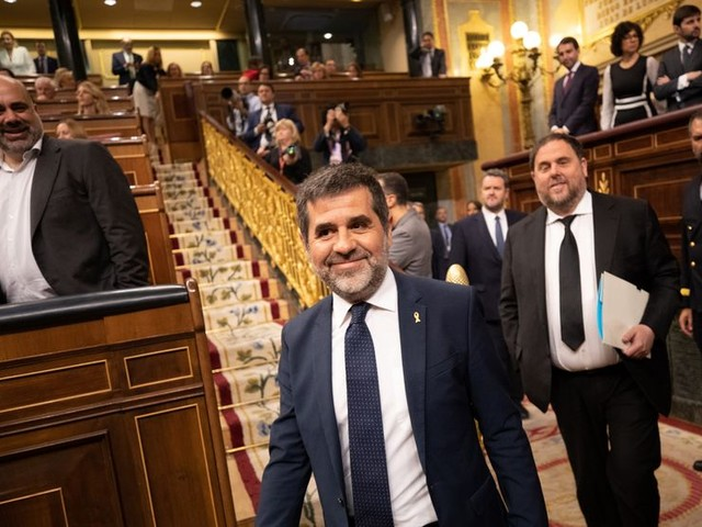 Cinq indépendantistes catalans emprisonnés siègent au Parlement espagnol