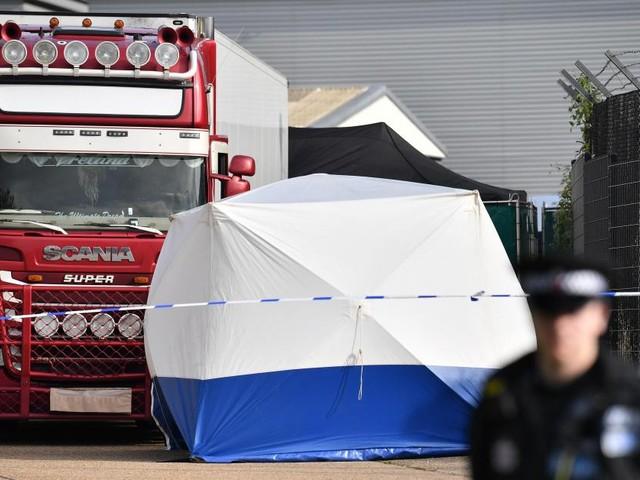 Suite à la découverte de 39 cadavres dans un camion en Angleterre, deux personnes ont été arrêtées au Vietnam