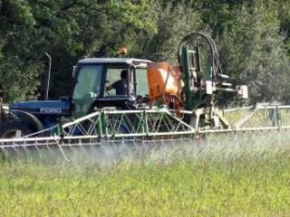 Glyphosate : c'est reparti pour cinq ans d'autorisation mais l'UE durcit les règles d'évaluation des pesticides