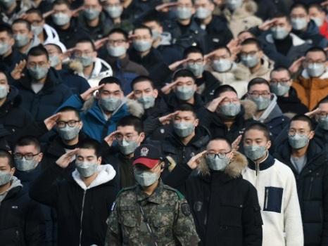 Tous sous les drapeaux? La Corée du Sud débat du service militaire