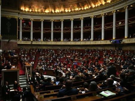L'Assemblée vote un volet du budget, avant de plonger dans la Sécu et l'hôpital