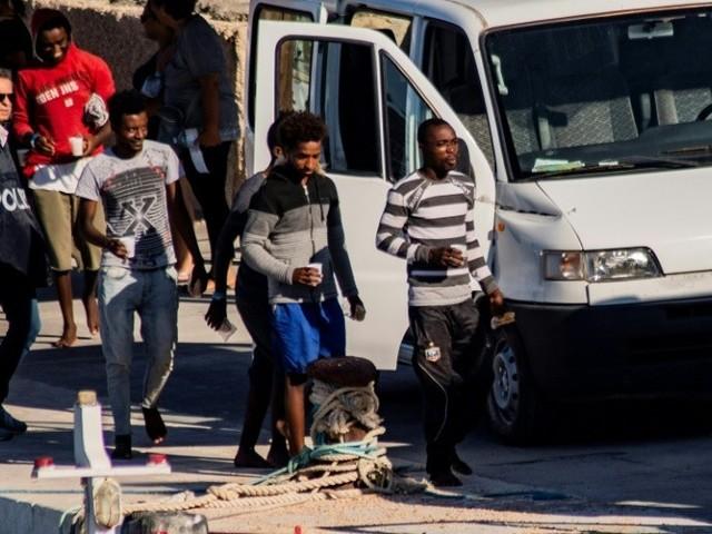 Open Arms : l'Italie laisse 27 mineurs débarquer à Lampedusa