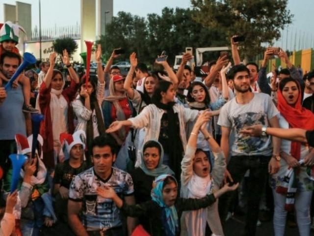 Mondial-2018: football pour tous dans un stade de Téhéran, une première