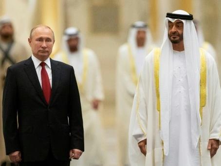Poutine en visite à Abou Dhabi, dominée par l'espace et les investissements
