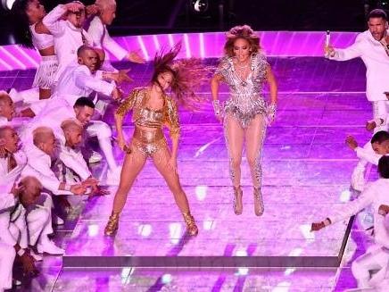 Super Bowl - Les stars Shakira et Jennifer Lopez, un duo latino pour la mi-temps du Super Bowl
