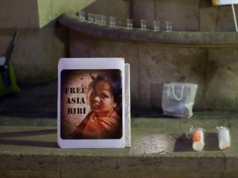 Macron va recevoir Asia Bibi, qui souhaite obtenir l'asile en France