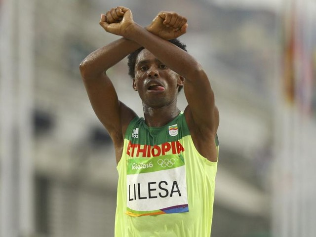 Ethiopie: le marathonien médaillé olympique, Feyisa Lilesa est rentré d'exil