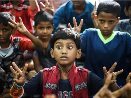 Dans un bidonville de Bombay, une académie Bollywood