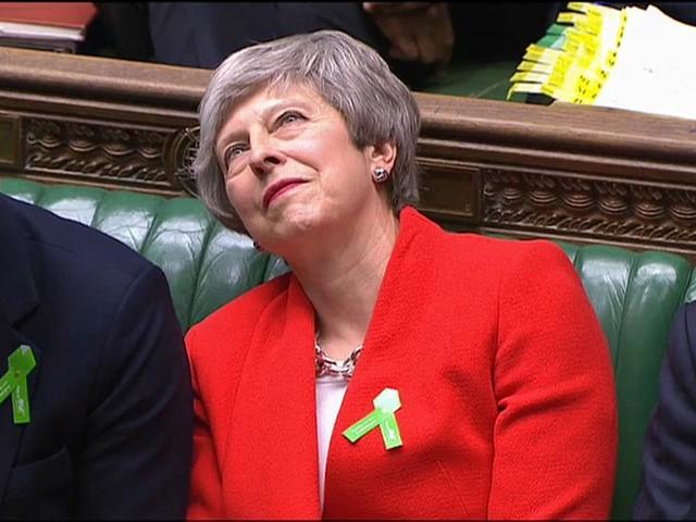 Brexit : Theresa May attaquée de toutes parts au parlement britannique