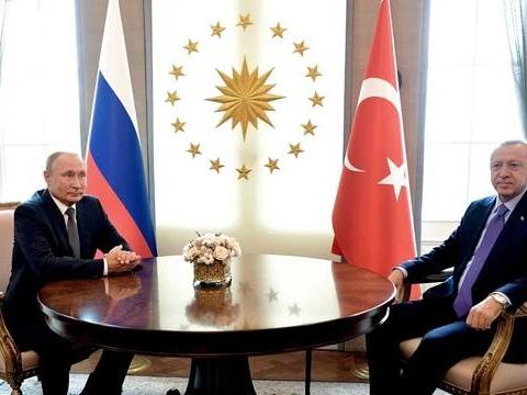 Offensive turque contre les Kurdes: Erdogan rencontrera Poutine le 22octobre en Russie