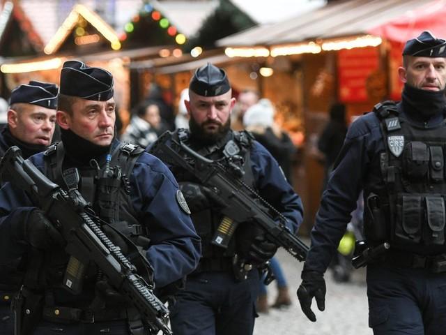 À Strasbourg, le marché de Noël ouvre ses portes avec l'attentat dans tous les esprits