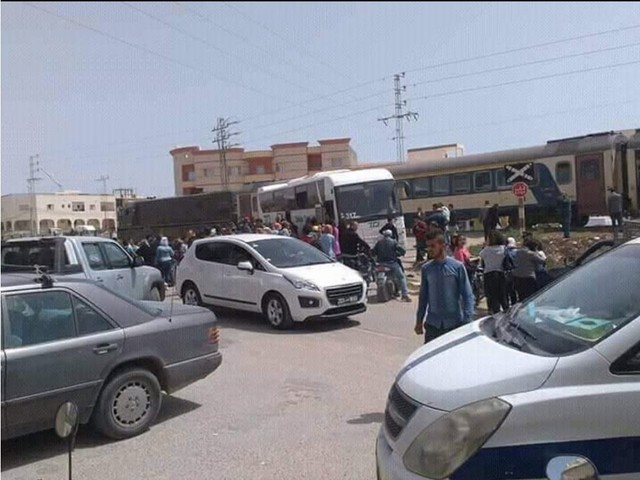 Tunisie: Décès d'une femme et une autre blessée dans un accident alors qu'elles accompagnaient la dépouille d'une victime d'Amdoune