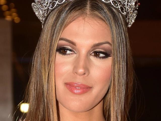 Iris Mittenaere Miss Univers 2016 en couple avec un célèbre footballeur ? Ça se précise