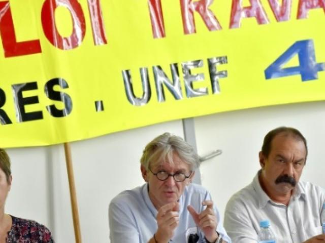 """Fonction publique: les syndicats comptent sur une """"forte"""" mobilisation mardi"""