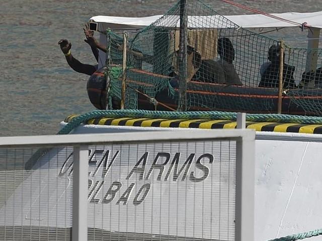 """La France et cinq pays européens prêts à accueillir des migrants, secourus par le navire de l'ONG """"Open Arms"""""""