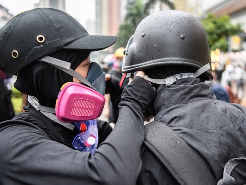 """Abby et Nick se sont rencontrés dans les manifestations à Hong Kong: """"C'est super de partager ça avec quelqu'un, c'est unique"""""""