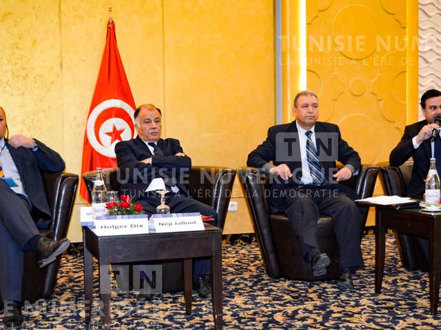 [Vidéo] : L'Institut Tunisien des Etudes Stratégiques se penche sur les remèdes à la situation difficile du dinar