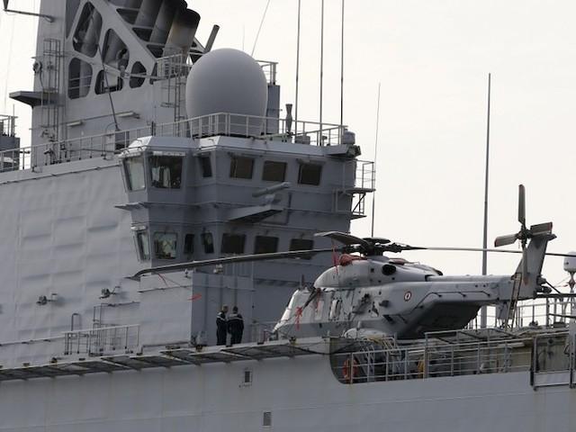 Coronavirus : pourquoi la Corse est obligée d'évacuer ses malades par porte-hélicoptères