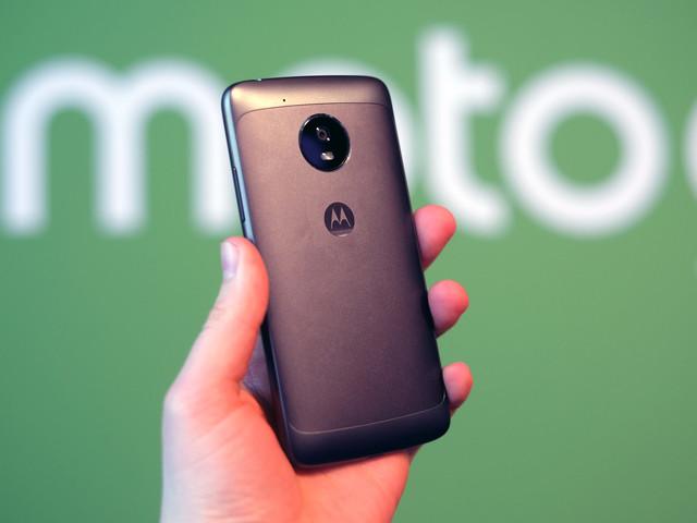 Moto G6 : un trio de smartphones avec des écrans 18:9 et Android Oreo