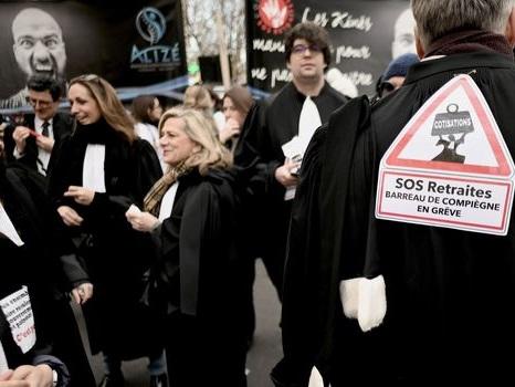 Retraites : la grève des avocats reconduite pour une semaine
