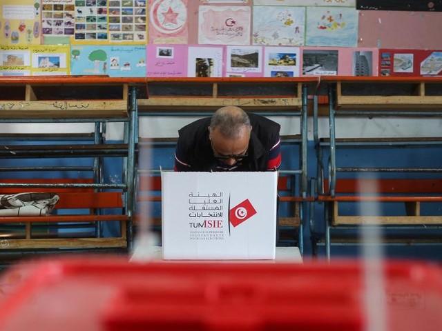 Présidentielle en Tunisie: participation en hausse au 2e tour à la mi-journée