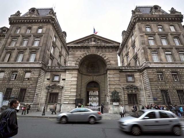 Attentat à la préfecture de Paris : cinq interpellations dans l'entourage du tueur