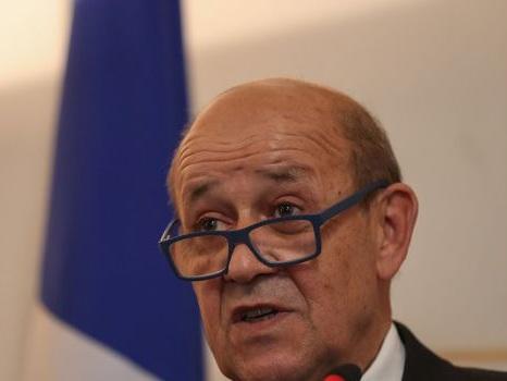 Le chef de la diplomatie Jean-Yves Le Drian annule sa présence au match France-Turquie
