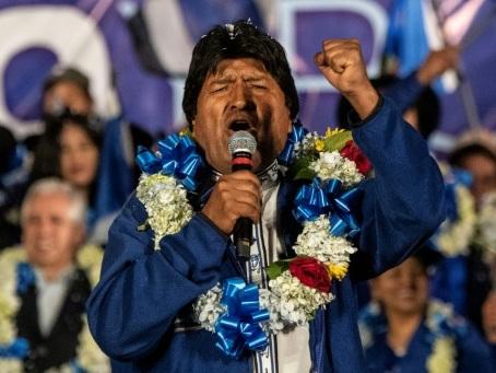 Bolivie: les élections les plus disputées pour Morales, l'oppoition appelle au vote sanction