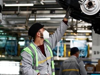Renault: comment l'usine de Flins a évité la fermeture de justesse...