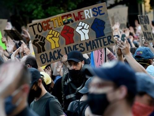 Les Etats-Unis sont-ils à un tournant de la lutte contre le racisme ?