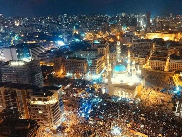 Liban: le gouvernement annonce des réformes, sans calmer la colère de la rue