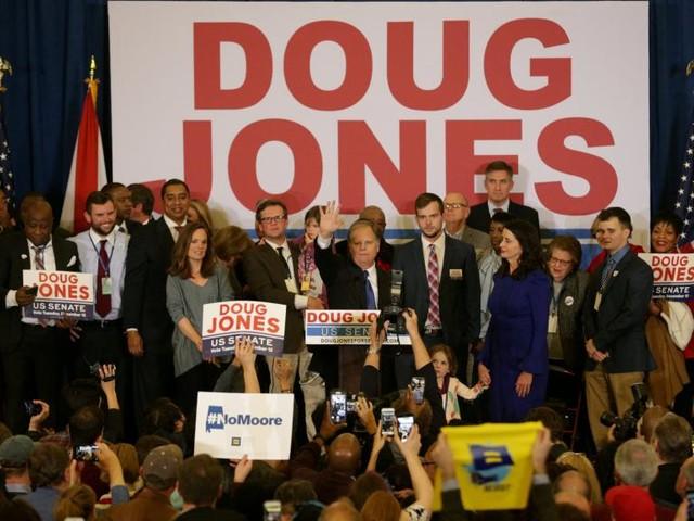 Etats-Unis: victoire démocrate en Alabama, défaite majeure pour Trump