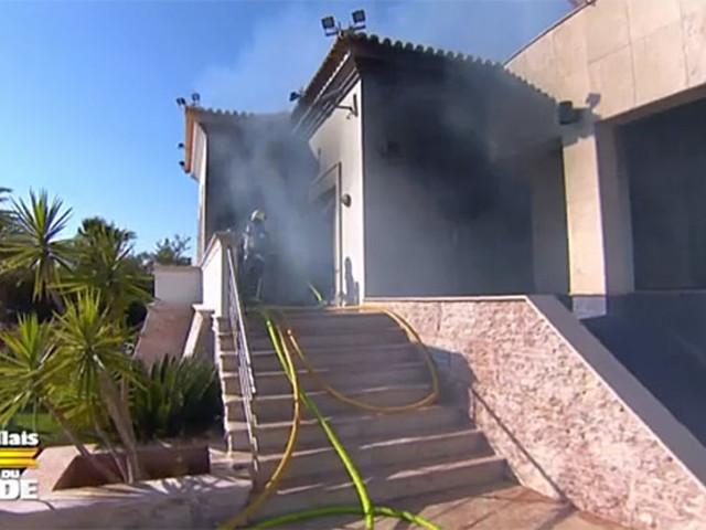 Les Marseillais vs Le Reste du Monde 4 : le propriétaire de la villa ravagée par l'incendie réclame plus d'un million d'euros