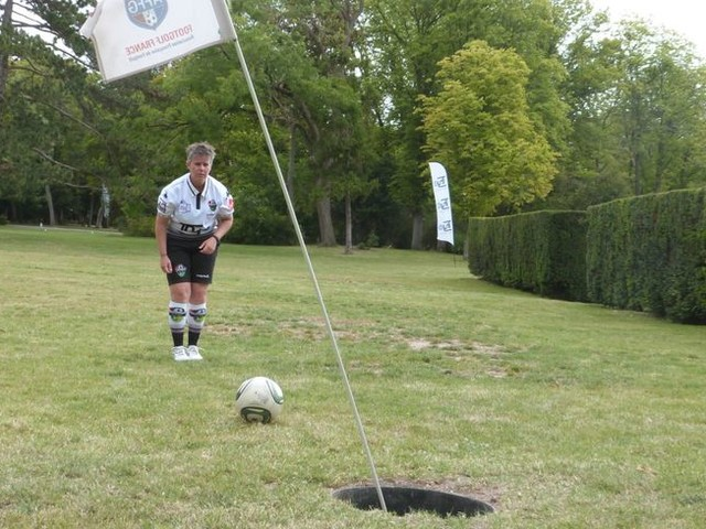 En images : le Parc de Champagne de Reims accueille la Foot Golf Cup
