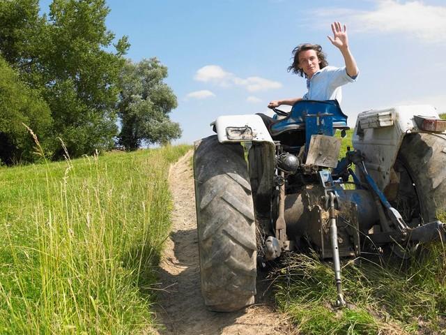 """Confinement: le gouvernement appelle ceux """"qui n'ont plus d'activité"""" à aider les agriculteurs"""