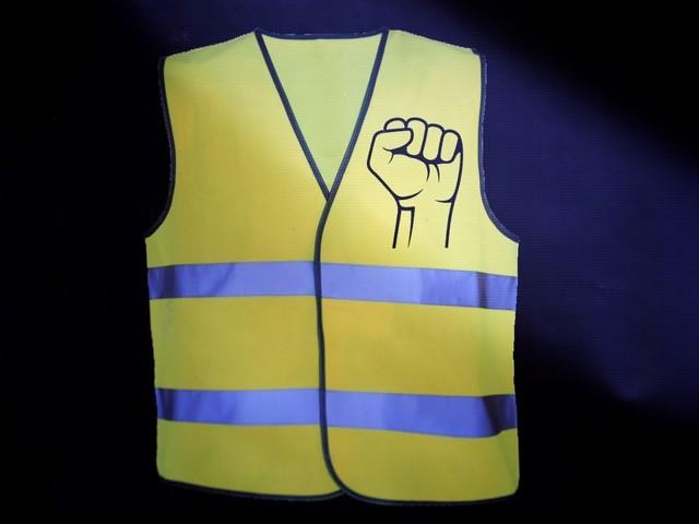 Gilets jaunes: Du sursis requis contre un policier à Paris pour violence