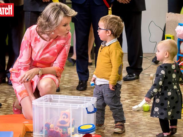 Mathilde à la découverte du Bébé Bus de la province de Namur