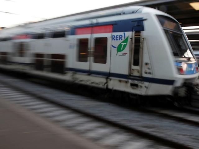 En pleine grève RATP et SNCF, une femme accouche dans le RER D