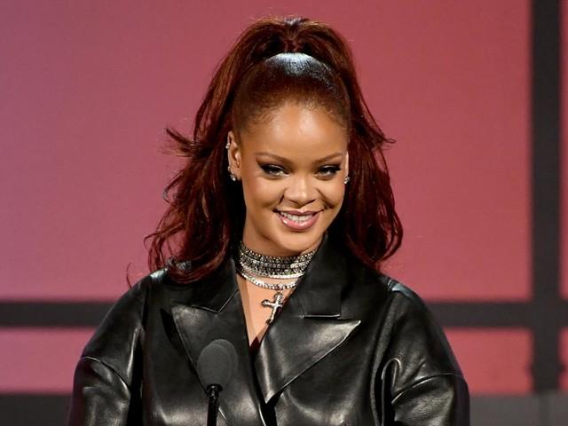 Livres : Rihanna va publier son autobiographie