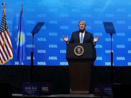 Attentats du 13-Novembre: Donald Trump critique à nouveau la législation française sur les armes