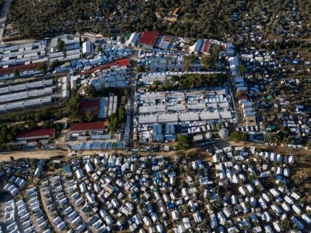A Lesbos, les migrants vulnérables confrontés à la misère et au froid