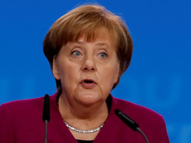 La leçon qu'a tirée Merkel de sa défaite devrait inspirer la gauche en France