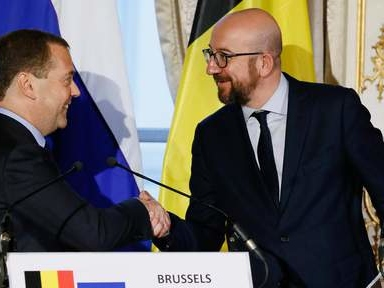 Medvedev salue la main tendue de la Belgique