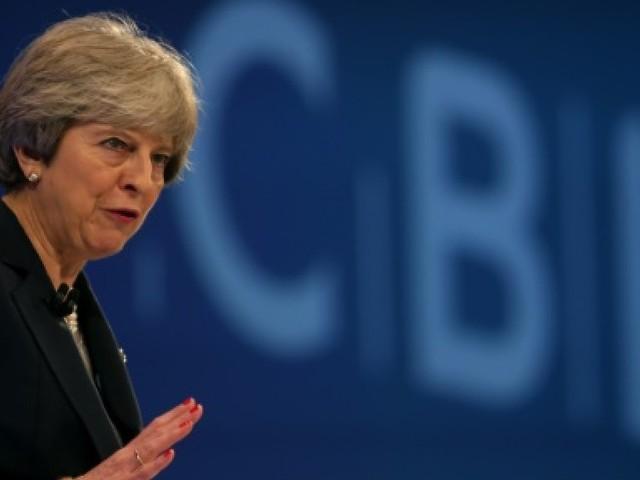 Theresa May toujours plus fragilisée en pleine négociation sur le Brexit