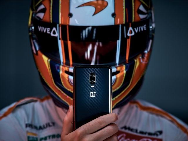OnePlus et McLaren Racing lancent le OnePlus 6T McLaren Edition avec 10 Go de RAM