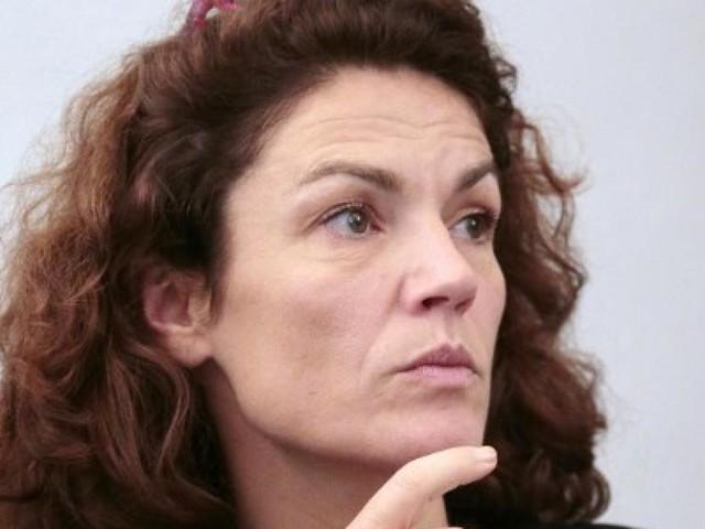 France: Chantal Jouanno refuse de céder aux pressions